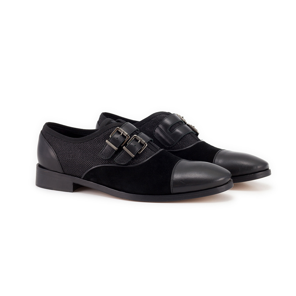 Men's lace-up shoes with buckles