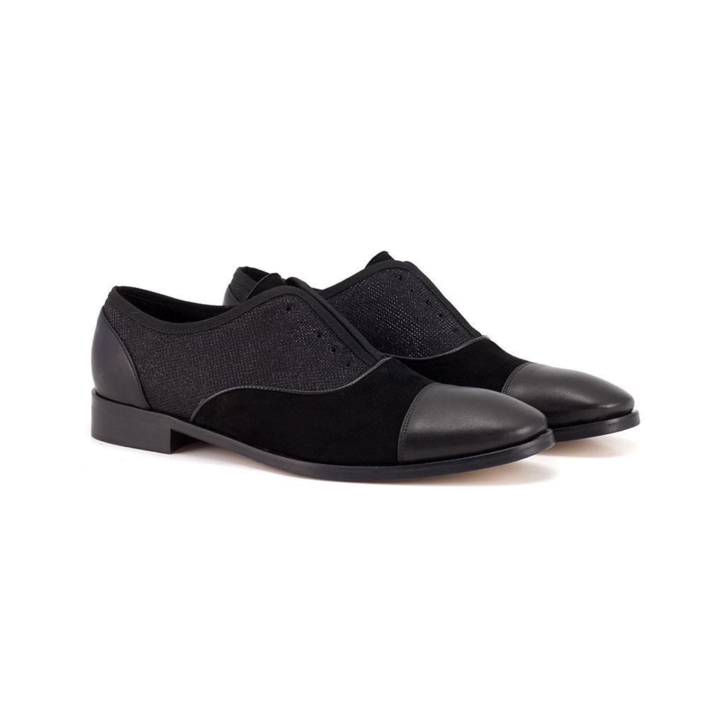 Black shoes without laces
